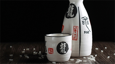 Japanese holidays etched in clay