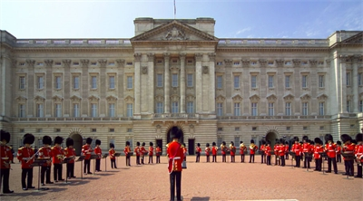 Opening the Royal houses
