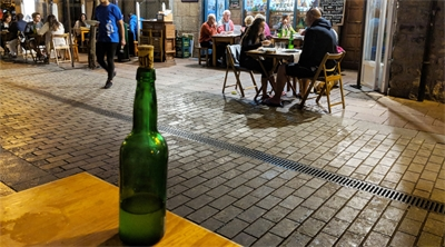 Spanish visitors get cider house rules