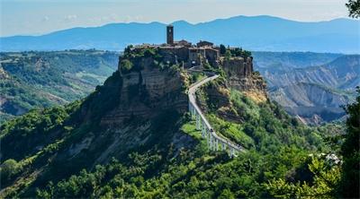 Indulging Italy in two hidden hamlets