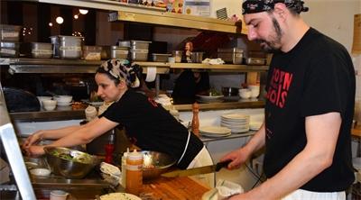 Montréal's non-profit restaurant a smash hit