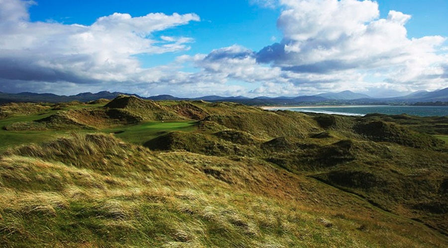 Emerald Isle is just One Big Golf Green