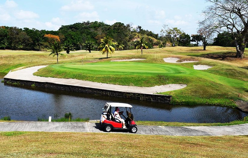Panama Going for the 'Green' by Luring Golfers