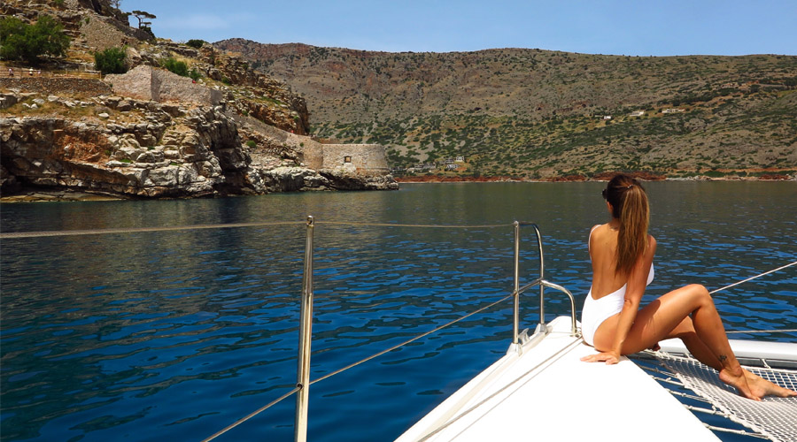 Heading for Greece's dis-Crete island